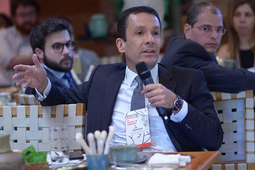 """""""Para o investidor, vale a certeza se há ou não obrigação de pagar juros"""" - Eduardo Fahrat, diretor-executivo do Darby Overseas Investments"""