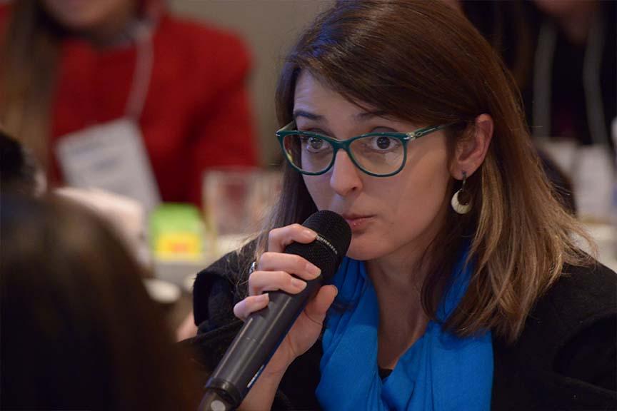 """""""As empresas brasileiras se destacam em transparência, mas ainda há muito espaço para melhorar em desempenho"""", Juliana Lopes, diretora de CDP para América Latina"""