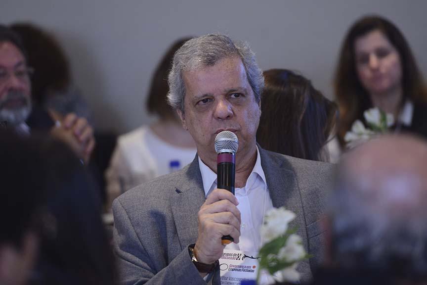 """""""A família tem de dar espaço para os herdeiros serem o que eles desejam"""", Arthur Vasconcellos - sócio da The Caldwell Partners"""