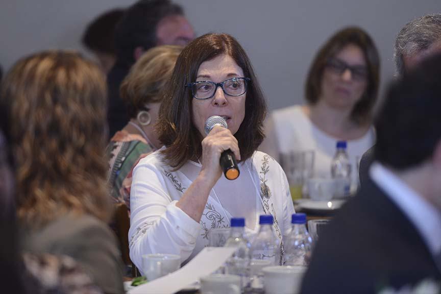 """""""Ser herdeiro é muito diferente de ser acionista. Isso requer treinamento e qualificação para ser compreendido"""", Celia Picon - vice-coordenadora da comissão de empresas de controle familiar do IBGC"""