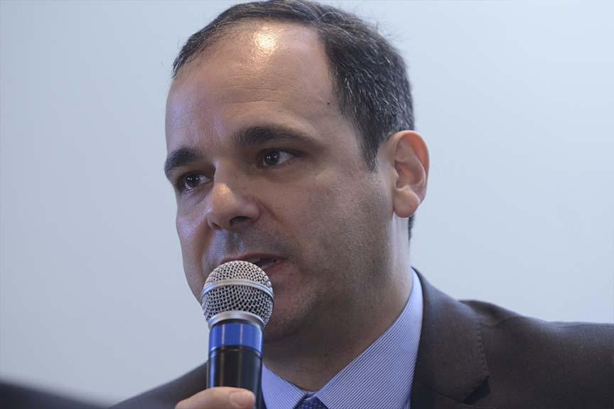 """""""Se as contas são da diretoria,e não do conselheiro,por qual razão ele não poderia votar como sócio?"""", Edison Carlos Fernandes, coordenador do Grupo de Estudos em Direito e Contabilidade da FGV"""