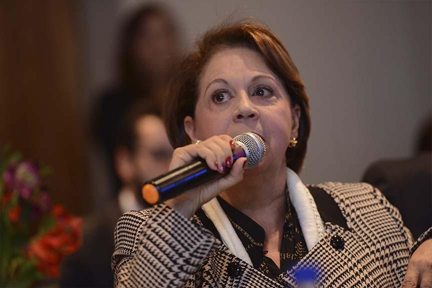 """""""Na minha visão,a poison pill fere a lei.Não pode haver nas S.As limitação à circulação das ações"""", Maria Isabel Bocater, diretora da Abrasca"""