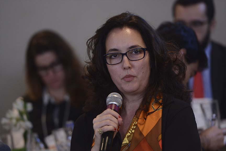 """""""Os novos líderes não vão comprar pacotes prontos. Eles precisam entender a sua contribuição para o negócio"""", Roberta Nioac Prado, coordenadora do GEEF (grupo de estudos de empresas familiares da Direito GV)"""