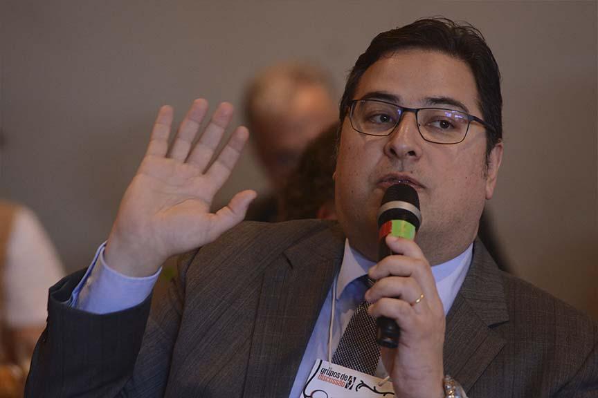 """""""Estamos perdendo de lavada na corrida internacional por competitividade"""", Romero J.S. Tavares, consultor em política tributária internacional da Confederação Nacional da Indústria."""
