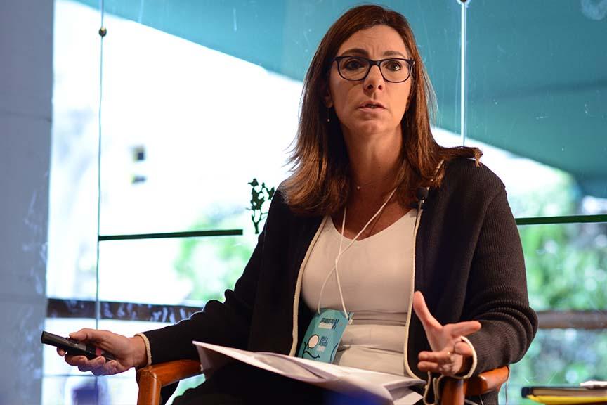 """""""É preciso a companhia olhar para o compliance como um investimento, não como um custo"""", Adriana Pallis, sócia do Machado Meyer Advogados"""