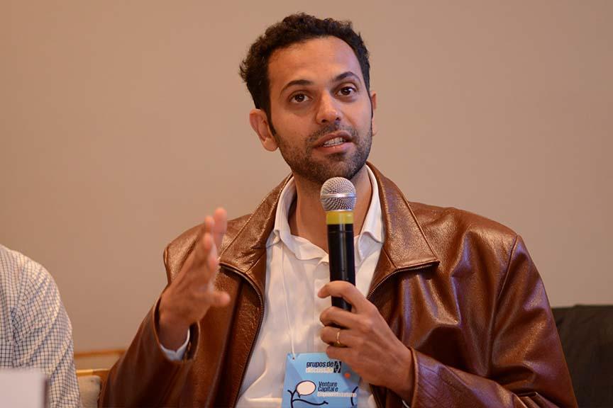 """""""Por que separamos primeiro, segundo e terceiro? Isso nao existe. Existe o setor da ética"""", Fernando Amiky Assad, sócio fundador do Programa Vivenda"""