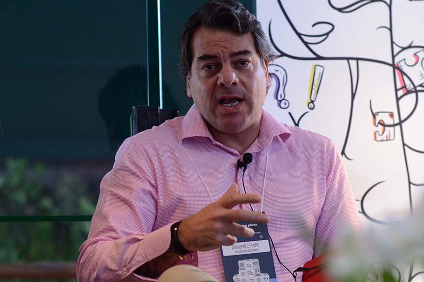 """""""A punição gera oportunidades de consciência acerca dos comportamentos"""", Alexandre Fialho, Sócio Fundador da Filosofia Organizacional"""