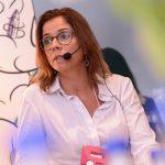 """""""Não basta mais apenas não gerar um impacto negativo. É preciso impactar positivamente"""", Claudia Martins, vice-presidente regional da Interface Brasil"""